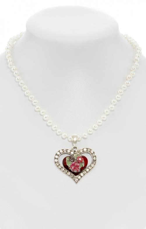 Collana di perle con pendente a cuore rosso